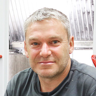 CNC ­machining centers & ­production: Markus Renz